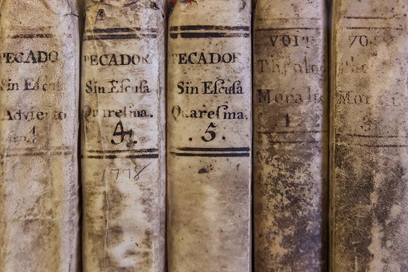 Books in the library of Mission San Buenaventura, Ventura