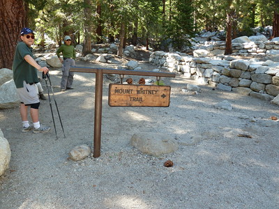 Back at the trailhead.  3:03pm.