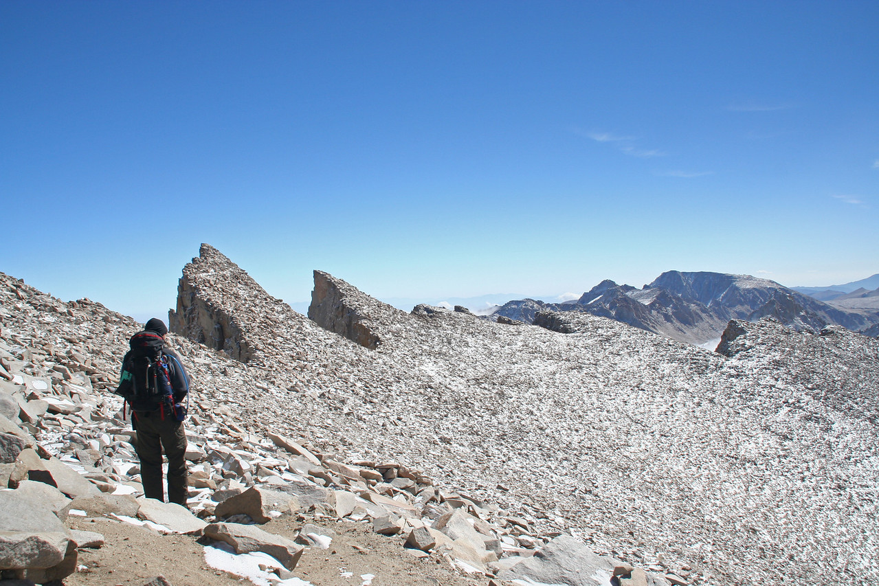 The long traverse back to Trail Crest.