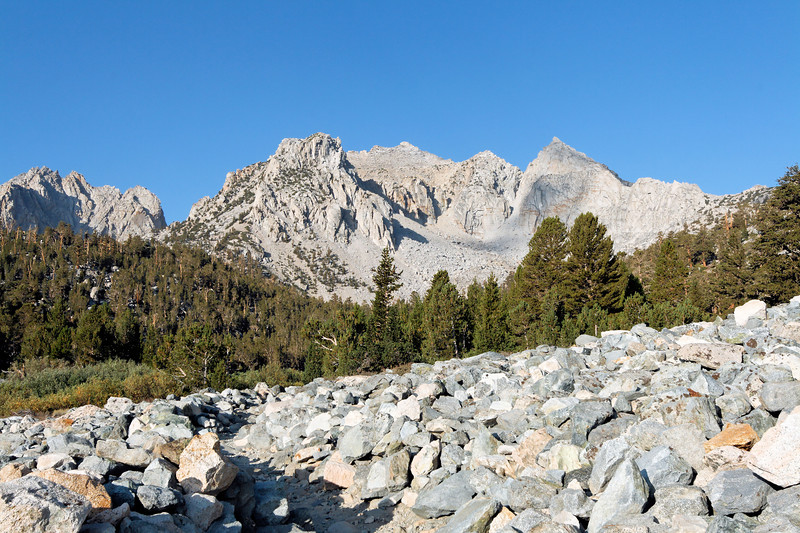 Snow Crown and Nameless Pyramid from the Kearsarge Pass Trail.