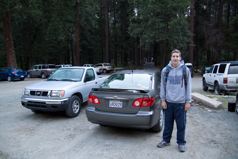 Matthew ready to go at the Trailhead Parking lot.<br /> <br /> 6:42am.