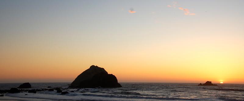 Going, going, gone... watching the sun slip below the waves near Klamath