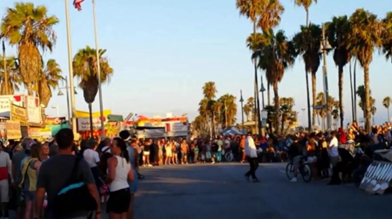 Video -- Breakdance street-show in Venice Beach