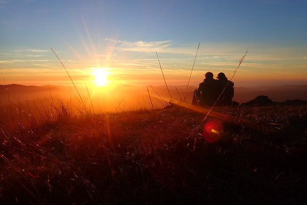 Discovering a new trail and hill in Russian Ridge for the last sunset of 2020. New year's eve!