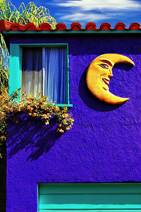 Crescent Moon Face in Balboa Island