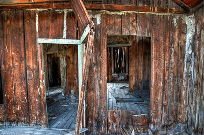 ghost-town-barn