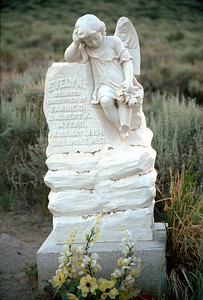 Cemetery headstone for a chile
