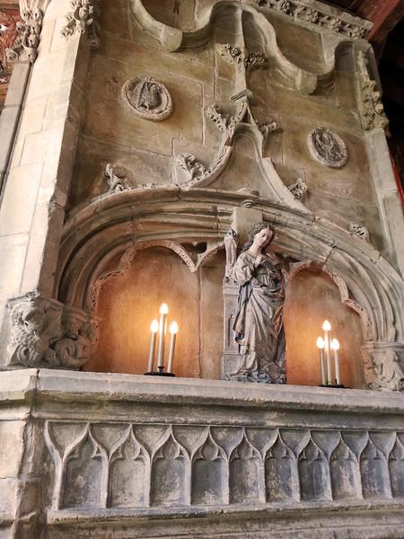 Hearst Castle, Madonna Altar