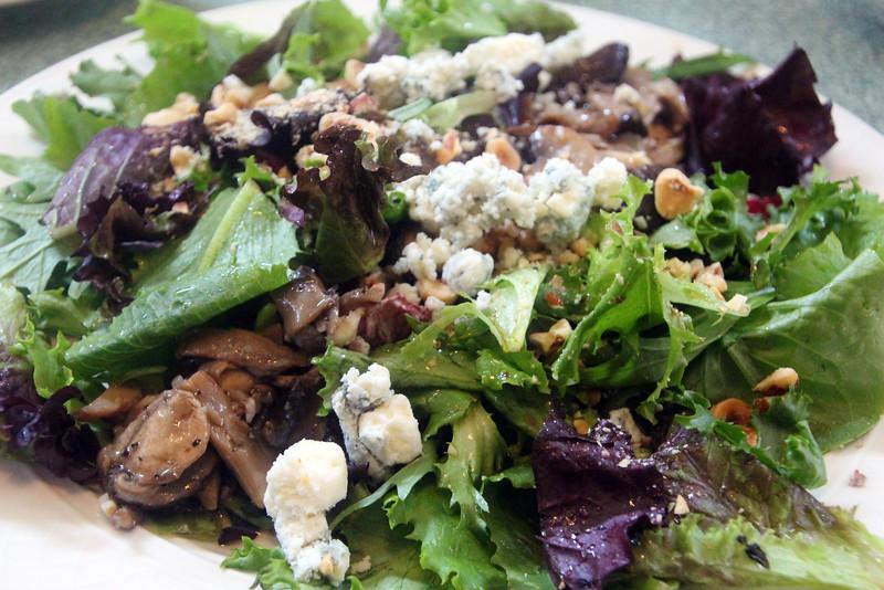 Lompoc California, Sissy's Uptown Cafe, Salad
