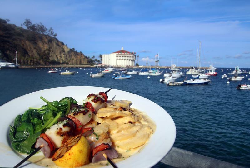 Catalina Island: Bluewater Avalon Restaurant, Scallop & Shrimp Skewers