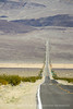 Death Valley, long road (2)