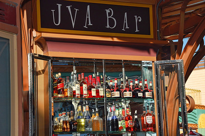 disneyland-uva-bar