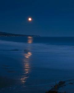Goleta - Moonrise at Goleta Beach County Park