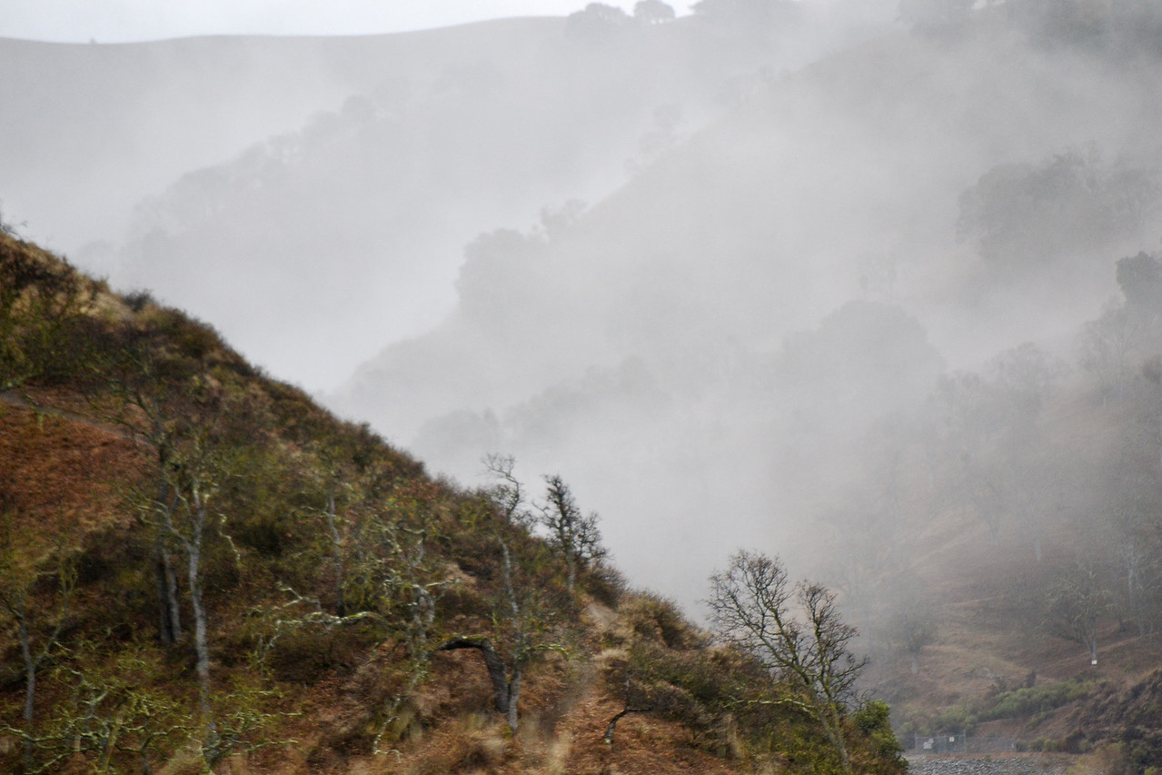 Rain is coming!   Upper Ravine Trail mid frame. Ravine Trail - Del Valle, Livermore, CA.