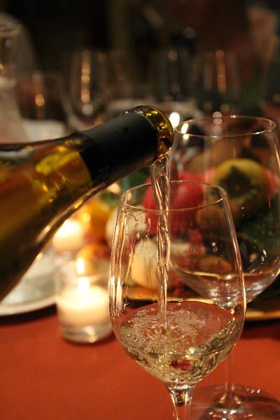 Lodi California, White Wine Pour, Wine & Roses Resort & Spa