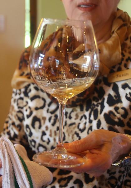 Lompoc California, Foley Winery Chardonnay Pour