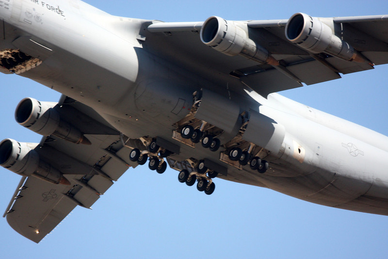 The McDonnell Douglas C-17, wheels up!