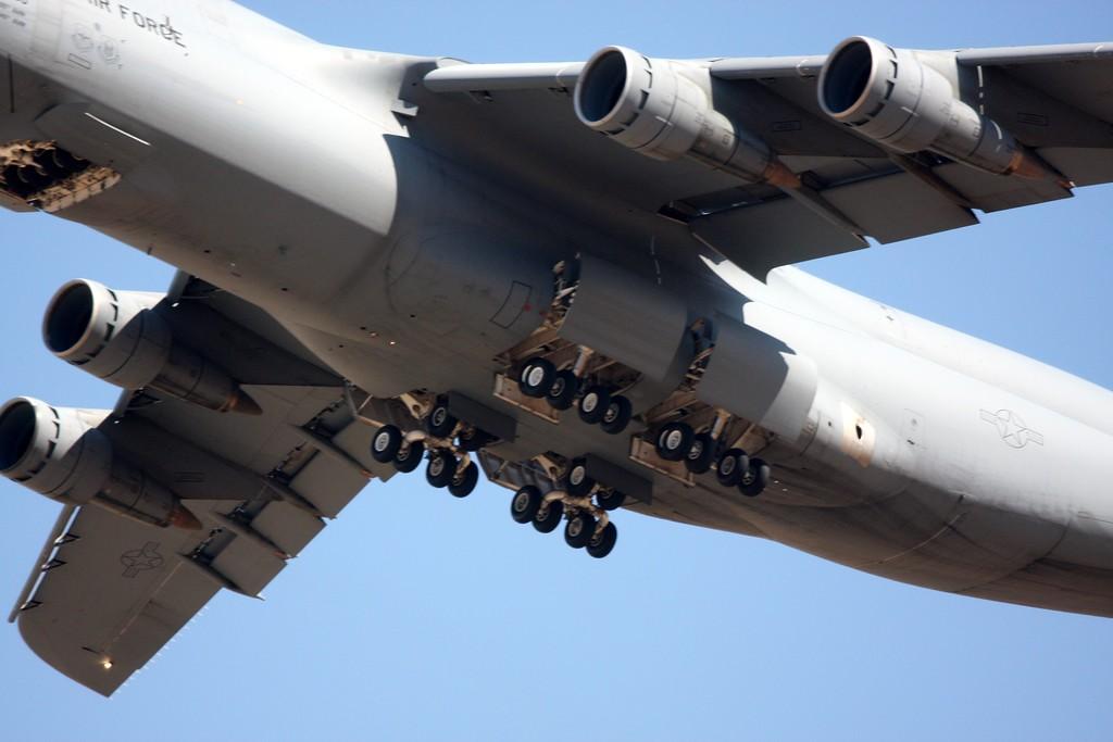 The McDonnell Douglas C-17, wheels up!