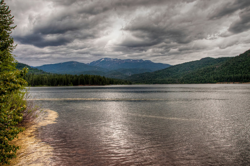 cloudy-shasta-lake-2