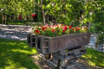 merryvale-railroad-flowers