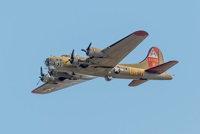 B-17 Flying Fortress-7052
