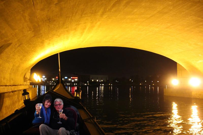 Oxnard California, Gondola Paradiso, Romantic Couple under Bridge