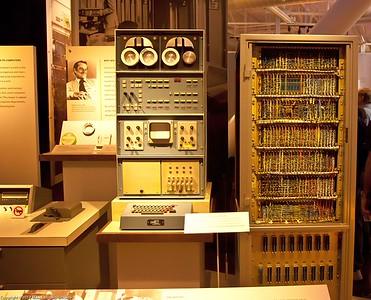 Laboratory Instrument Computer, MIT, 1962