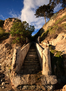 Steps leading to Mesa Lane Beach / Thousand Steps Beach