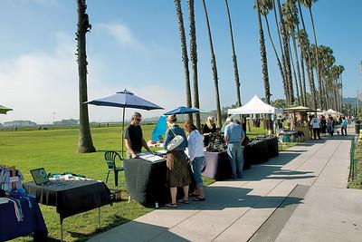 Weekly Santa Barbara Arts and Crafts show along Cabrillo Boulevard