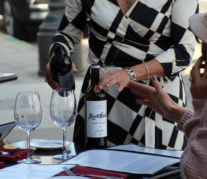 California, Santa Barbara, Opal Restaurant, & Bar, Wine Pour