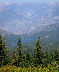 A lake view in Kings Canyon
