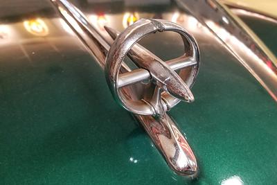 Mid 50s Buick 8 Gunsight Hood Ornament-6