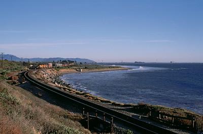 Northbound train leaves Ventura