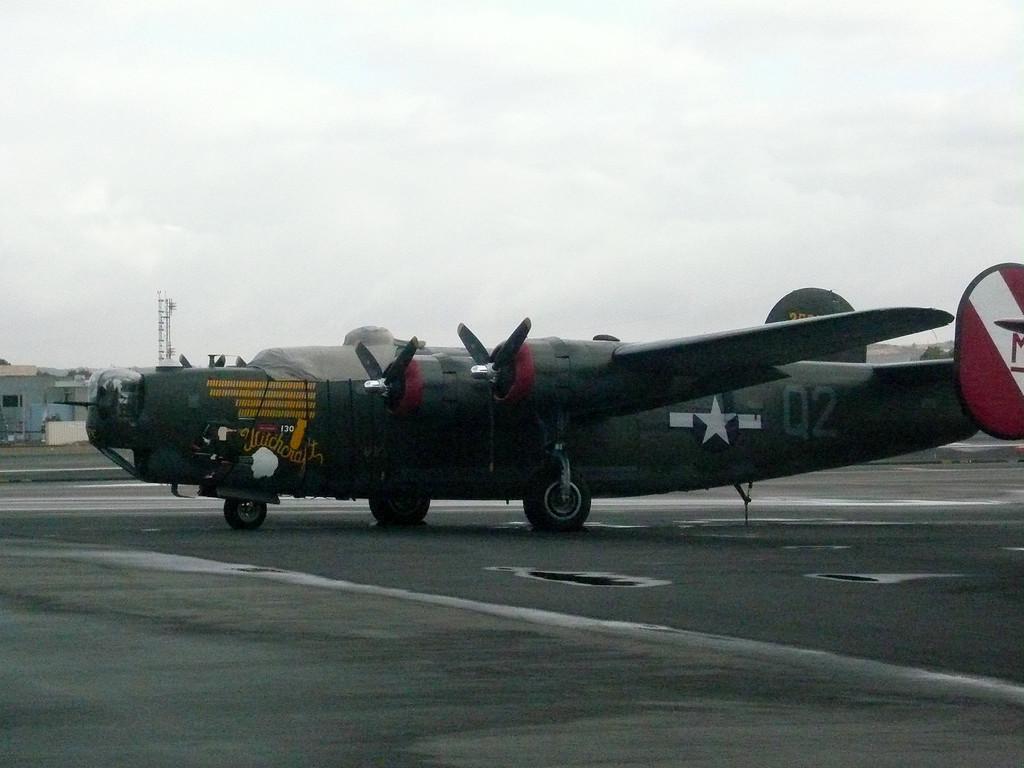 2007: B24 Liberator, Calsbad Airport (CLD). California