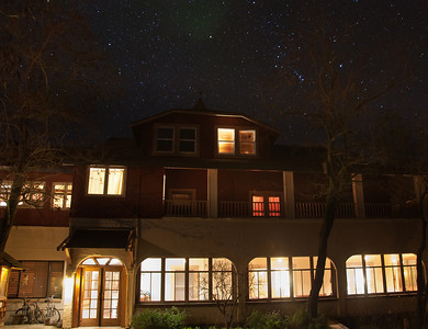 wilbur-hot-spring-lodge-night-1