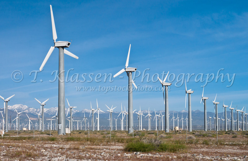 Green Power energy wind farms with many windmills at San Gorgonio Pass near Palm Springs, California, USA.