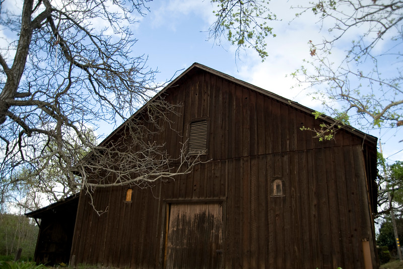 A BARN FROM YESTER YEAR