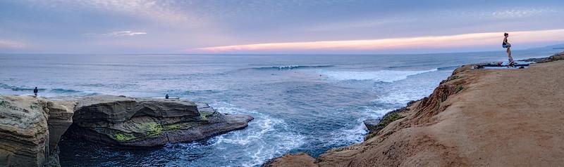 Sunset Cliffs, San Diego, California (95109-95127 PANO)
