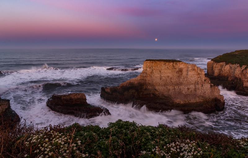 Moonset over Shark Fin Cove