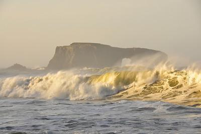 ocean-wave-arch-rock