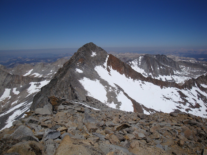 Okay, I made it to the easy terrain before the summit of Lyell - Looking over at Mclure.