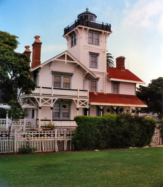 In 1874 redwood from northern California was landed and hauled up the cliffs to the building site.  One of the Lighthouse Board's best architects, Paul J. Pelz, was chosen to prepare the plans for the Point Fermin Light.  Pelz had designed the St. Augustine Light in Florida as well as the Library of Congress as well.  The design he produced was a beautiful Victorian stick-style home topped by a lantern.  The same design was also used for lights to be constructed at Port Huenene in Oxnard, California and Hereford Inlet, New Jersey.