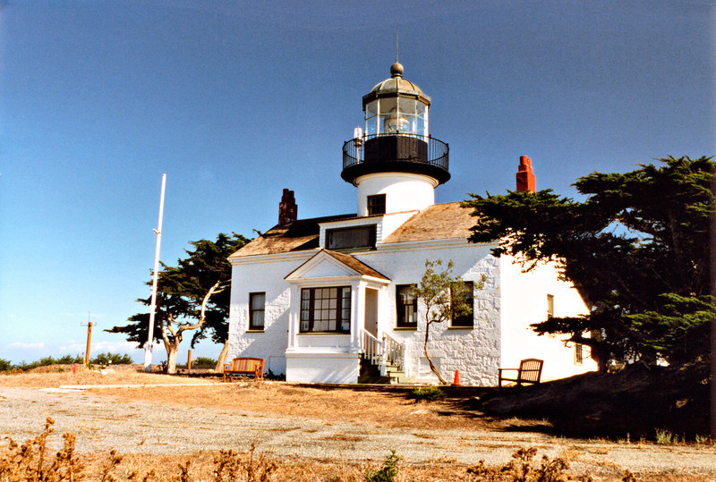 Emily Fish moved into the lighthouse with her Chinese servant Que.  She remained Keeper of Point Piños for the next 21 years.  She learned her new duties quickly and furnished the lighthouse with books and paintings.  She also raised purebred horses and Holstein cows.  Que would serve Emily breakfast each day in the watchroom in front of a window overlooking the light station.