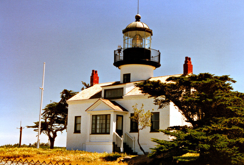 In 1915 electricity reached the Point Piños Light and in 1919 an electric light replaced the oil vapor lamp used in the lantern.  An electric fog signal was added to the lighthouse station in 1925.  During World War II the light remained darkened and barracks were built to house Coast Guard personnel on beach patrol.
