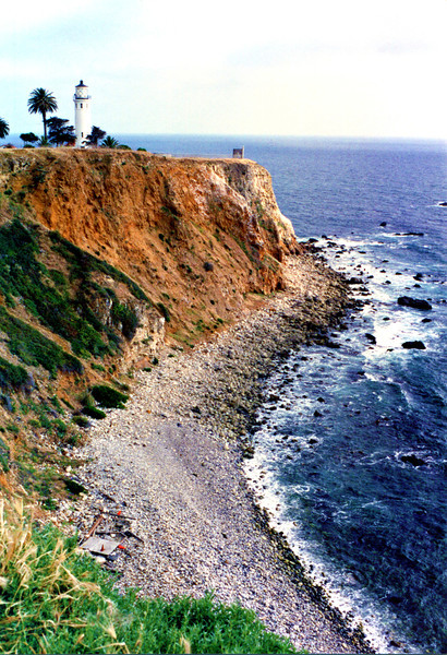 In 1914 the Lighthouse Service requested funds to build a lighthouse and fog signal station at Point Vicente.  In 1916 Congress appropriated $80,000 for the project.  Delays in acquiring the land led the Service to threaten the owners with condemnation proceedings.  A deed was finally secured in 1921.
