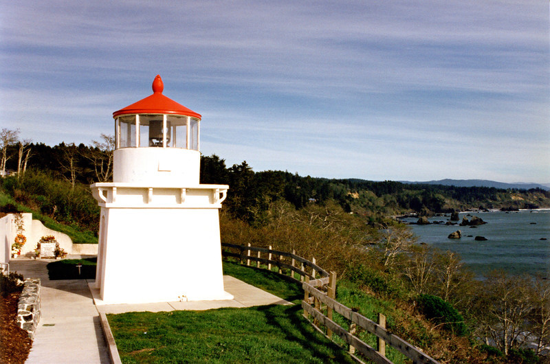 The 4000 pound fog bell from 1898 was suspended from a wooden frame built next to the lighthouse replica.  For its efforts the Trinidad Civic Club won the 1949 California Grand Sweepstakes in the 'Build a Better Community Contest'.