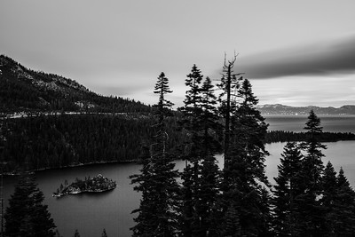 Inspiration Point. Lake Tahoe, Emerald Bay, Fannette Island. South Lake Tahoe, CA, USA