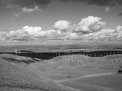 Patterson Pass Wind Farm & Tracy, CA. Patterson Pass Road. Livermore, CA, USA