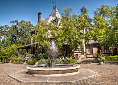 beringer-winery-fountain