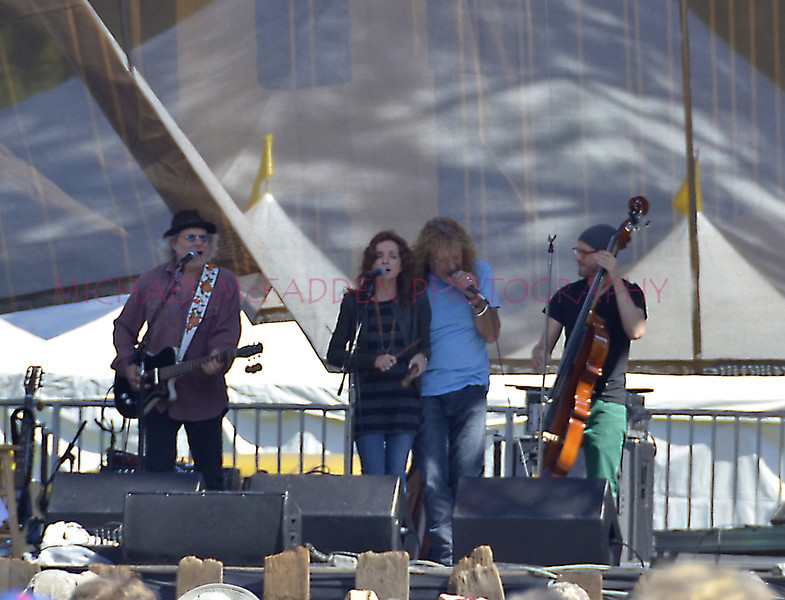 Buddy Miller, Patti Griffin, Robert Plant, and bass player